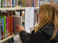 Kinderen helpen bij het kiezen van een leesboek
