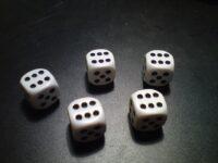 Turven oefenen met het spel Rol en turf